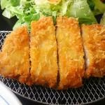 【猿ヶ京温泉】「かざ車」のトンカツが肉厚&柔らくて絶品!BBQも。